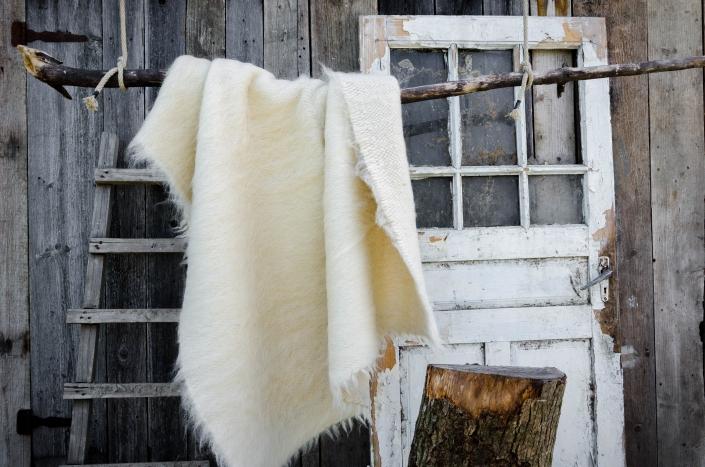 Short Wool - white   WOL