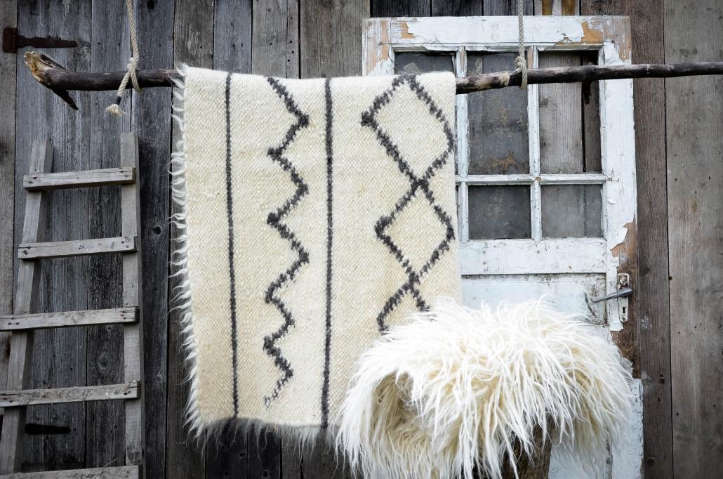 Short Wool - white & black pattern | Long Wool - white | WOL