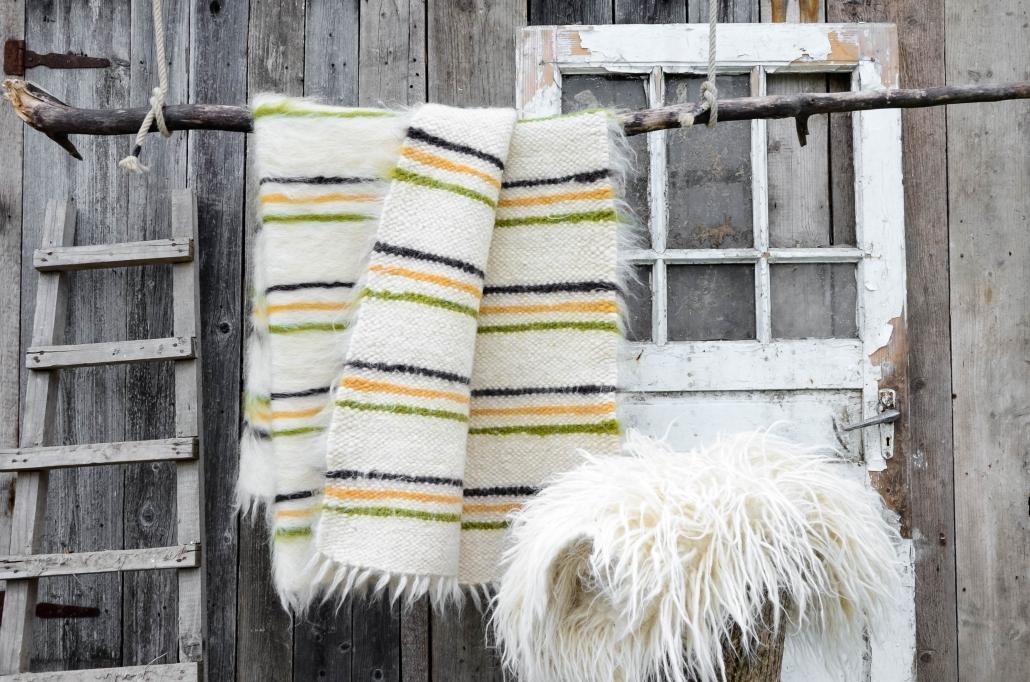 Short Wool | striped - white/ocher | Long wool - white | WOL