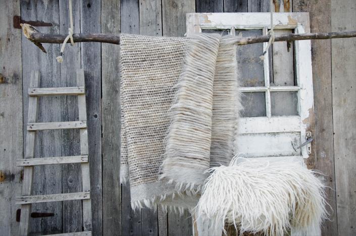 Short Wool - grey   Long wool - white   WOL