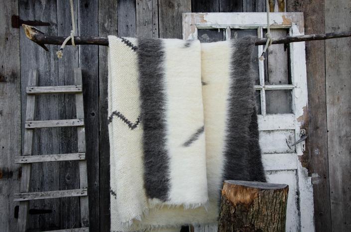 Short Wool - white & black pattern   WOL