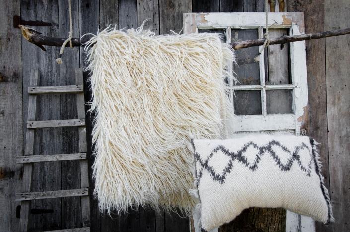 Long Wool - White   Short Wool pillow   WOL