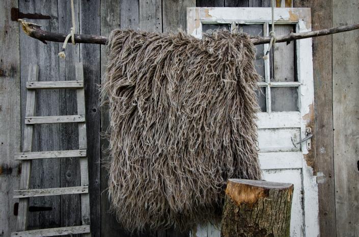 Long Wool - dark brown   WOL