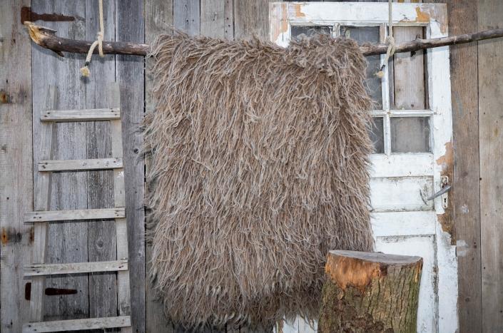 Long Wool - brown   WOL