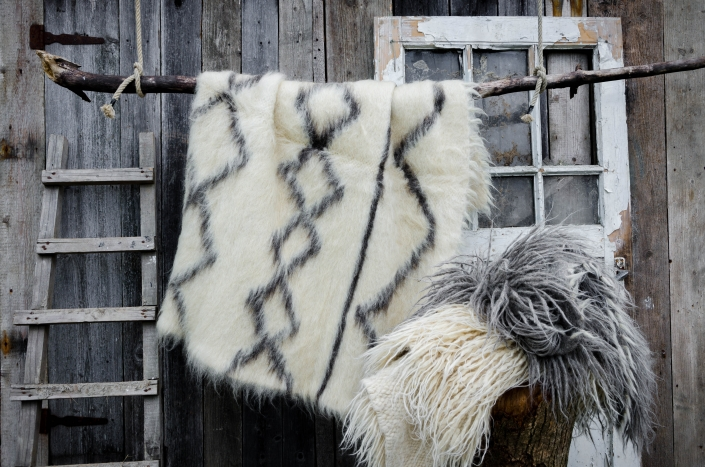 Short Wool - white & black patterns   Long wool - gray and white   WOL