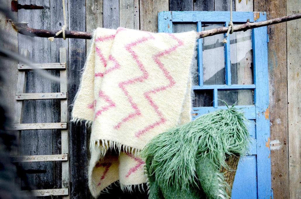 Short Wool - white & pink | Long wool - green | WOL